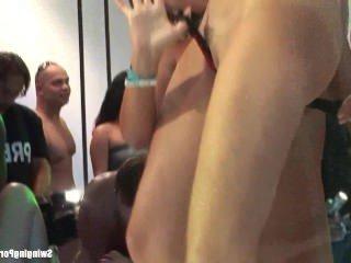 Дойки ком мега огромные сиськи видео dojki com