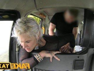 Дойки ком с большими сиськами в бикини dojki com