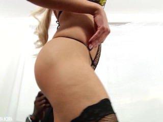 Дойки ком голые девушки с торчащими сиськами dojki com