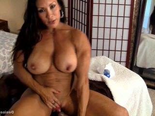 Дойки ком жена с висячими сиськами дрочит член мужу порно видео онлайн dojki com