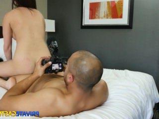 Дойки ком голые грудастые молодые девушки dojki com