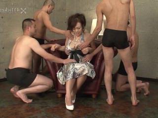 Дойки ком смотреть онлайн порно бои сиськами dojki com