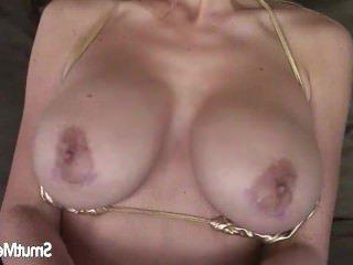 Дойки ком голая японка с большими сиськами dojki com