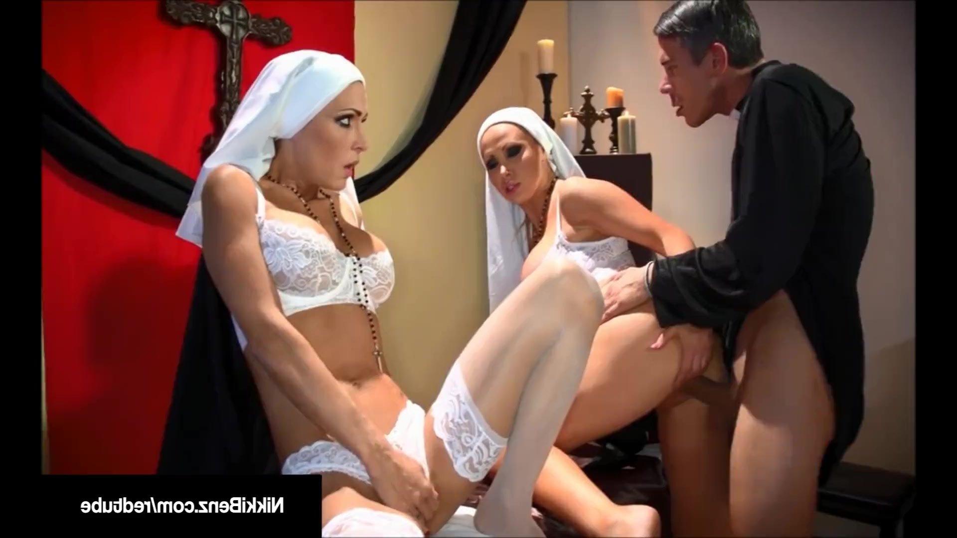 Трахнул сисястую монашку, Большие сиськи монашек - видео Yo-Sex 10 фотография
