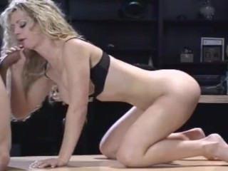 Дойки ком молоко капает из титьки порно dojki com