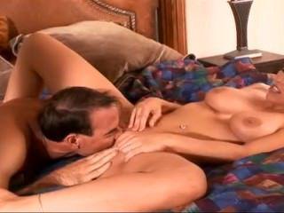 Дойки ком порно младший брат трогает сиськи у сестры dojki com