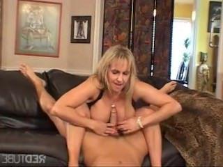 Дойки ком порнография с большими титьками dojki com